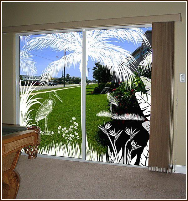 Sliding glass doors decorated with the Heron Hideaway 2-door scene.